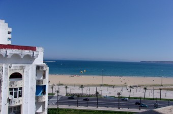 Fabulous opportunity to buy a 2 bedroom apartment,  on the 8th floor, in front of the Bay of Tangier and with a breathtaking sea view. Ideal as a bijou main home, a superbly located holiday home, or a rental investment.