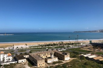 Apartment of 105 sqm on the 6th and top floor in the sought after area of Tangier City Center comprising a large reception room and 2 bedrooms.