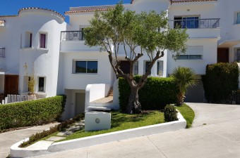 Beautiful villa located in the heart of the popular district of California in a secure complex.