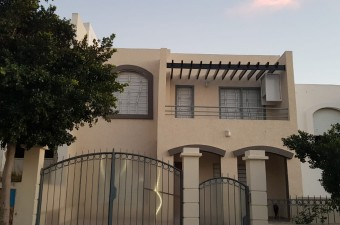 Villa of 200m² in a secure complex with a swimming pool and sports ground in Ibn Batouta.