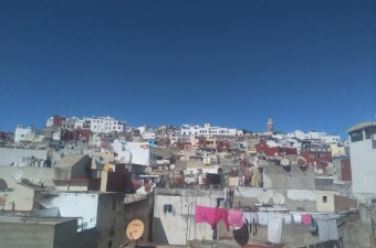 Spacious traditional house of 130m² in the heart of the medina, in a main street and near the market.